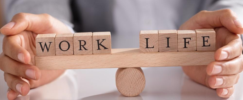 Should Australia switch to a four day work week?